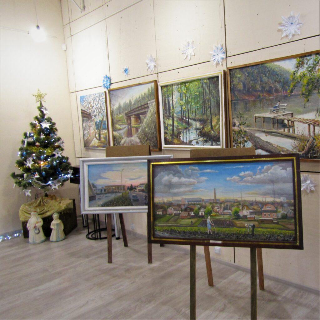 В Александрии проходит выставка картин Виктора Соколова