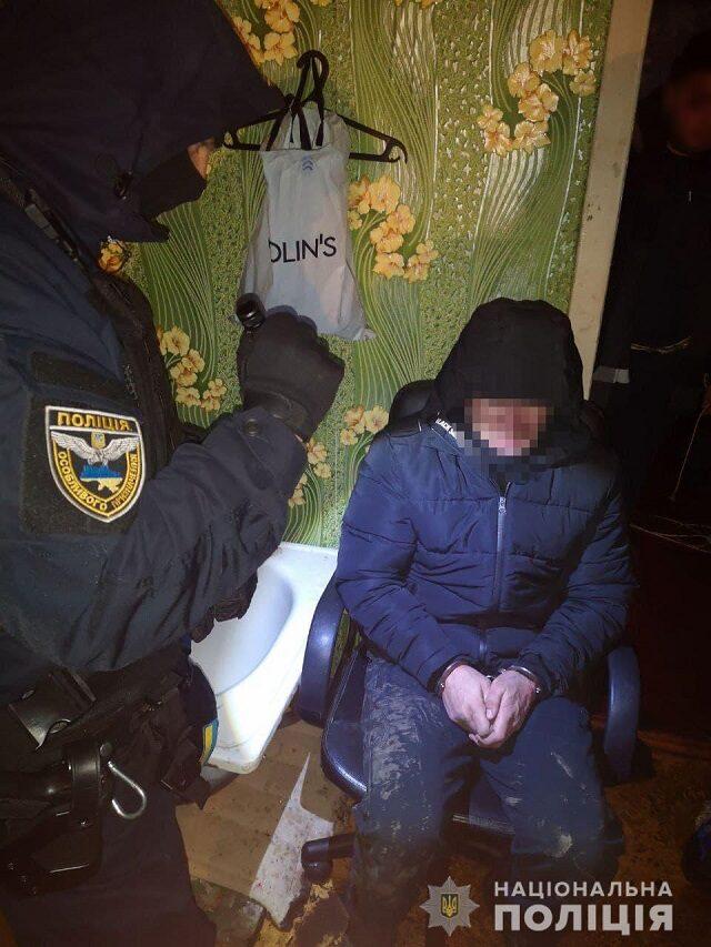 В Александрийском районе в подвале держали похищенного