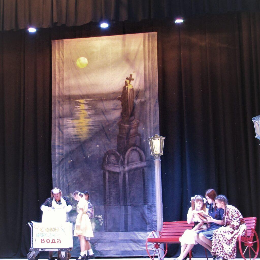Те, що неможливо забути: прем'єра на сцені  і музей у підвалі