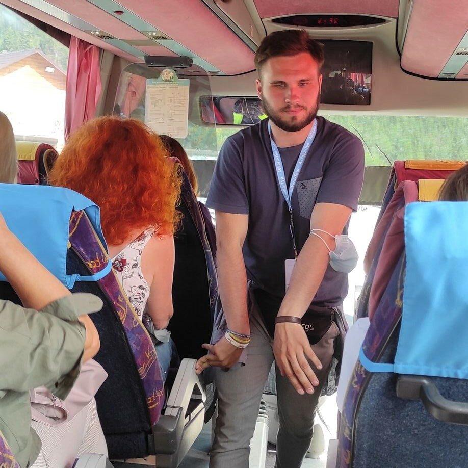 Про успішних екскурсоводів та ідеальних туристів
